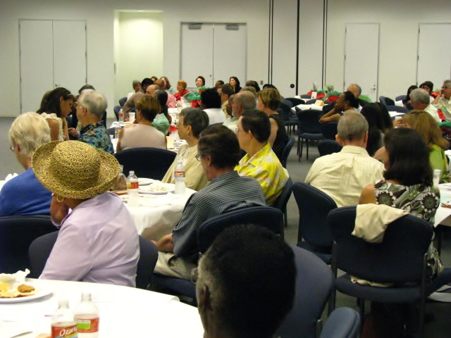 Center-for-Healing-Racism-2011-Juneteenth-Ally-Award-Luncheon-Honoring-Lee-Mun-Wah-31